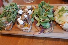 トスタ4種 (lulun & kame) Tags: europe ヨーロッパ ヨーロッパの料理 ヴィーゴ galicia europeanfood スペイン ガリシア spain spanishfood vigo スペイン料理 lumixg20f17