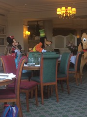 Pics from phone (Elysia in Wonderland) Tags: disneyland paris 2017 elysia elysias birthday 25th 25 anniversary holiday snapchat disney hotel inventions lunch characters meet greet goofy minnie mouse