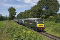 D832 & D7076 1J62 (DM47744) Tags: class 42 warship d832 onslaught d7076 hymek hydraulic diesel double header western region heritage bury springside farm burrs locomotive gala 2017 train trains classic traction transport track travel transportation loco sun preserved bhg group preservation diesels nikon d3100 br blue green