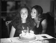 anniversaire de ma nièce Auré - avec sa sœur Alex (JJ_REY) Tags: auré anniversaire birthday alex sisters polaroid t55 peelapart instantfilm negative toyofield 45a sironarn 150mm epson v800 alsace france