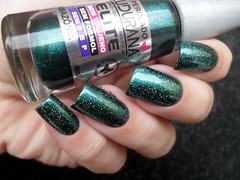 Ludurana - Noite Escura + Amazônia + Risqué - Star (Barbara Nichols (Babi)) Tags: ludurana amazônia risqué star glitter verde green greennailpolish greennails esmalteverde glitterholo