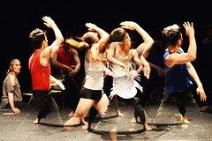 d'Ayelen Parolin  DSC_9523Mirabelwhite (Mirabelwhite) Tags: danse danseur piano coree argentine cdc avignon festivaldavignon nativos ayelenparolin lete davignon mirabelwhite