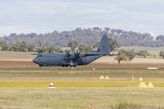 Royal Australian Air Force (A97-440) Lockheed Martin C-130J Hercules taking off at Wagga Wagga Airport (Bidgee) Tags: raaf royalaustralianairforce lockheedmartinc130jhercules c130h a97440 yswg waggawaggaairport