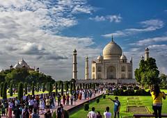 Taj Mahal (Parveen Singh) Tags: tajmahal taj mahal tomb architectural sky blue green great clouds cloudy mughal india indian heritage history love canon 550d