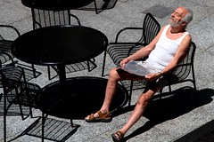 Grab Some Rays (dangaken) Tags: chicago chicagoil chi il illinois summer2017 july2017 summer july 2017 windycity chicagoilusa usa unitedstates midwest ill tan sun sunbathing tanning rays uv