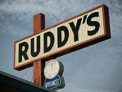 Ruddy's Appliances (avilon_music) Tags: signs ruddysappliances ruddys appliancestore storesigns signage e510 1947 visalia ge geappliances