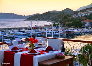 Dostlarım bayram tatiline 2 gün kaldı işinizi şansa bırakmayın kaş'da kalacak yer arıyorsanız @rhapsodyboutiquehotelkas Bu eşsiz manzaraya karşı güzel bir akşam yemeği yemek isterseniz lütfen irtibata geçiniz  @kas_panorama_restaurant 1�#panaromarestauran