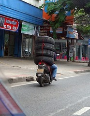 overloaded (the foreign photographer - ฝรั่งถ่) Tags: motorcycle four tires overloaded phahoyolthin road bangkhen bangkok thailand sony rx100