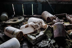 R0035910 (蔡同咨) Tags: 廢墟 ruins 廃墟 台湾 taiwan light shadow ライト 光 廢棄 荒蕪 abandoned barren