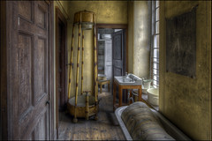 Calke Abbey Bathroom (Darwinsgift) Tags: calke abbey derbyshire national trust pc e nikkor 19mm f4 tilt shift hdr photomatix interior bathroom history urbex