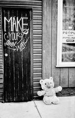 Kennsington_001_01 (mujetdebois) Tags: 35mm canonelan ilfordhp4plus blackandwhite orangefilter filmphotography filmlives filmisnotdead monochrome analogphotography blackandwhitephotography noirblanc черноеибелое negroyblanco biancoenero schwarzundweis