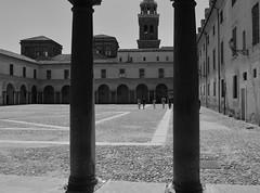 Cortile del Palazzo Ducale (Mantova) (NUVOLA18) Tags: mantova bianconero cortile palazzoducale piazzacastello rinascimento campaniledellabasilicapalatinadisantabarbara