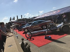 Ronnie Sox, Sox & Martin, ,  2017, NHRA, Nationals, at, Route 66, drag way, 7/8/2017, with my son, Freddie, and my son in law, Dimitri, (Picture Proof Autographs) Tags: ronniesox soxmartin 2017 nhra nationals route66 dragway 782017 withmyson freddie andmysoninlaw dimitri nhranationals2017route66dragstripdragwaydragsterddragsterstopfuelfunnycarprostockhotwheelstommcewinnmongoosepapajohnspapajohnspizza