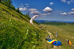 Ready to fly ; Chasseral izakigur 8 07 2017 no. 41 . (Izakigur) Tags: jura bern cantonofbern kantonbern nikond700 nikkor2470f28 feel coldplay chasseral swiss suiza lasuisse laventuresuisse liberty ilpiccoloprincipe topf500 500faves