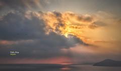 (438/17) No todos los días acaban así, ... (Pablo Arias) Tags: pabloarias photoshop photomatix nxd españa cielo nubes puestadesol ocaso atardecer mar agua mediterráneo sol rayosdeluz benidorm alicante comunidadvalenciana