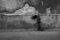 Kaunas 55 (Vygintas R.) Tags: 0014n15 kaunas cron50 2015 rolleiretro80s lc29 city lietuva september bessar2a 35mmfilm film bw leicasummicron50mmf20v iso80 lithuania nikoncoolscan5000 rangefinder street streetart ilfoteclc29