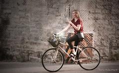 """Vélo-Texto ?... ( P-A) Tags: urbain spontané ville printemps style mode exercise sport déplacement naturelle femme jeune photos simpa© """"nikonflickraward"""" lemondemerveilleuxdelaphoto photoquébec"""
