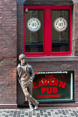 John Lennon (Bob Edwards Photography - Picture Liverpool) Tags: lennon sculpture mathewstreet liverpool merseyside fab4 beatles cavern cavernclub walloffame city centre tourists john paul george ringo