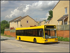 Y254 DRC, Admirals Way (Jason 87030) Tags: yellow southbrook danetre daventry hunters ray northants northamptonshire 337 woodfordhals optare excel y254drc houses admiralsway clouds sky weather schoool chidlren education bus sony ilce nex a6000 alpha roadside estate