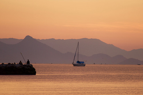 brazil-paraty-sunrise-over-bay-copyright-pura-aventura-thomas-power
