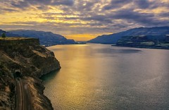Colorful Columbia (Philip Kuntz) Tags: columbia columbiariver sunset sundown dusk river washington oregon