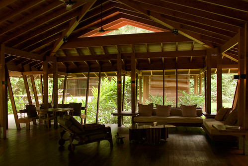 brazil-amazon-cristalino-lodge-living-room-copyright-thomas-power-pura-aventura