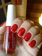 Melancia - Avon (Mari Hotz) Tags: esmalte unha avon vermelho