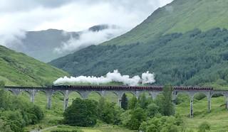 Jacobite steam train Glenfinnan viaduct.  Explore.