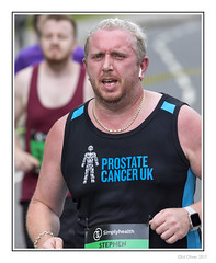 Prostate Cancer UK (Seven_Wishes) Tags: newcastleupontyne gateshead tyneandwear outdoor photoborder canoneos5dmarkiv canonef100400mmf4556lisii simplyhealth10k roadrace 10krace people candid portrait street runner running dof depthoffield sportingevent athlete athletic prostatecanceruk charity beard