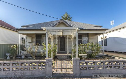 40 Kenrick St, The Junction NSW 2291