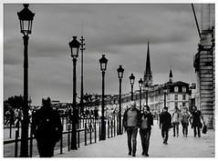 Street Lovers (karlb86) Tags: bordeaux black white blanc noir monochrome couple amoureux rue lovers street