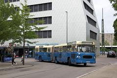 Am Sonntag fuhr MAN/Göppel-Bus 145 auf der Museumslinie O7. Der Gelenkbus fährt durch den Busbahnhof am Giesinger Bahnhof (Frederik Buchleitner) Tags: 145 890ugm16a bus gelenkbus göppel linieo7 man munich museumslinie münchen ocm omnibus omnibusclub omnibusclubmünchenev