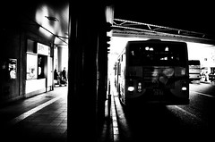 Street Fragments #289 - Kobe Kobe in a cracked mirror (Yoshi T. (kagirohi)) Tags: japan japanese kobe blackwhite bw street streetphotograph streetphotography alley fragment urban city cityscape snapshot ricoh gr ricohgr 日本 神戸 白黒 モノクローム モノクロ 路上 ストリート ストリートフォト 都市 風景 都市風景 スナップ スナップ写真 リコー 断片 blackandwhite monochrome depthoffield