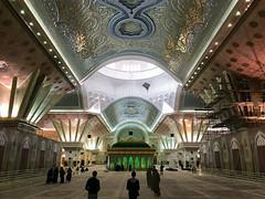 Mausoleum of Ruhollah Khomeini - Tehran (Tom Peddle) Tags: tehran tehranprovince iran ir persia mausoleum ruhollah khomeini tomb