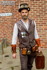 IMG_9334.jpg (Neil Keogh Photography) Tags: waistcoat goggles steampunk wgw shirt gold brown whitbygothicweekend goth man whitbygothicweekendapril2017 tophat feathers whitb white leather gloves black gothic male leatherwaistcoat medals cogs