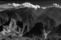 From The Heights (Machu Pichu, Cusco, Peru. Gustavo Thomas © 2016) (Gustavo Thomas) Tags: alturas heights mountains montañas sierra peru peruvian machipicchu cusco cuzco monochrome nature archeologicalsite arquelogía sitio turismo toursim viaje voyage travel monoart landscape naturaleza monocromático bnw blackandwhite blancoynegro adventure aventura