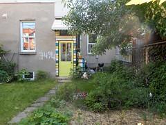 Gnome Home (navejo) Tags: montreal quebec canadanparkex alley gnome garden yellowdoor