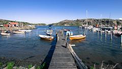 Boat Line (juliolunap) Tags: outdoors archipielago nature goteborg gothemburg sweden sverige bluesky blue water islands island aspero