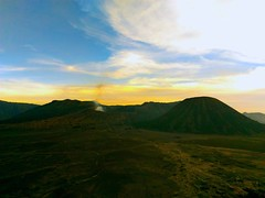 Mount Bromo and surroundings, 9th pics...The Sunset. (Alvin Gunawan) Tags: sunset volcano volcanoview mountainview mountbromo javavolcano volcanicland landscapephotography landscape naturephotography naturelovers theprivatetourcom theprivatetourindonesia theprivatetourbromo bromotour sunsetview