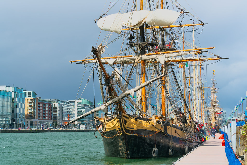 THE PHOENIX LEAVES DUBLIN PORT [DUE TO VISIT DROGHEDA LATER IN THE WEEK]-129445