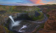 Palouse Falls at Sunset (Palouse, WA) (Sveta Imnadze) Tags: nature palousefalls wa easternwashington palouse palouseriver sunset clouds dusk colors