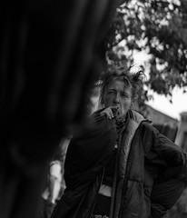 Homeless (frank.gronau) Tags: zigarette rauchen smoke sanfrancisco poor obdachlose homeless schwaz weis white black woman people street alpha7 sony gronau frank