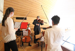 IMG_2535_neu (the real Caffeamore) Tags: concert cello violin viola organ wanderkonzert classical music musicians culture church chapel woods water reservoir küsnacht switzerland prize opera aria singer horn flute trio quartet piano ensemble
