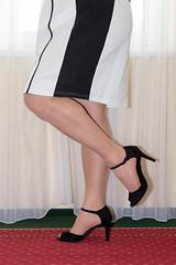 IMG_3963.jpg (pantyhosestrumpfhose) Tags: pantyhose strumpfhose nylony tights collant collants nylonfeet nylonlegs pantyhosefeet pantyhoselegs shoe schuhe feet legs beine toe strümpfe
