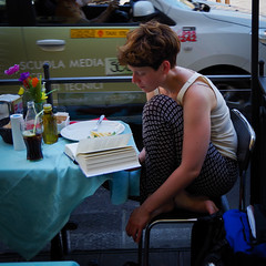 firenze1 (Photoefix) Tags: firenze traffico pranzo libro rubata serenità strada caffé pausa