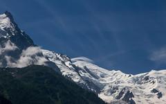 Mais, le Mont Blanc aussi a une mèche ! (But the Mont Blanc, has also got a lock !) (Larch) Tags: montblanc chamonix mountain alpes alps hautesavoie france nuage cloud aiguilledumidi hautemontagne mèche lock glace ice glacier neige snow lanscape scenery lignedecrête sky