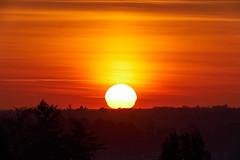 soleil (rondoudou87) Tags: pentax k1 smcpda300mmf40edifsdm sun soleil shadow silhouette rouge red orange jaune yellow risingsun rise leverdusoleil nature natur explore inexplore explored