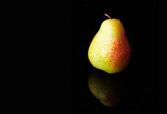 Pear (Theo Crazzolara) Tags: pear birne studio macro makro fruit früchte obst health healthy diet ernährung nutrition color colour blackbackground isolated pyrus closeup nikon d5100 nikkor fresh frisch light reflection sb700