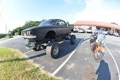 Classic Cars Corvair Club Hoyt's Restaurant Lexington, NC Motorcycle Harley Davidson 1994 Heritage Softail 20170710_4235 (Shane's Flying Disc Show) Tags: classiccars corvairclub davidson nc lexinton unsafeatanyspeed daredevils