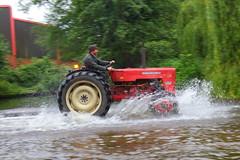 IMG_0435 (Yorkshire Pics) Tags: 1006 10062017 10thjune 10thjune2017 newbyhalltractorfestival ripon marchofthetractors marchofthetractors2017 ford fordcrossing river rivercrossing tractor tractors farmingequipment farmmachinery agriculture yorkshire northyorkshire